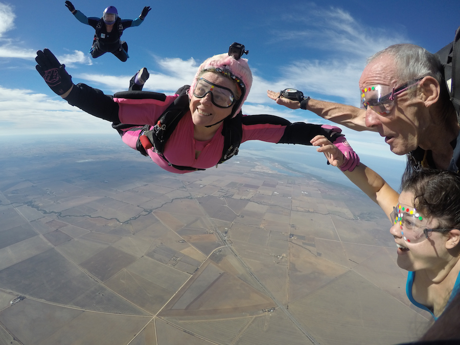 Sandy's 1000th skydive